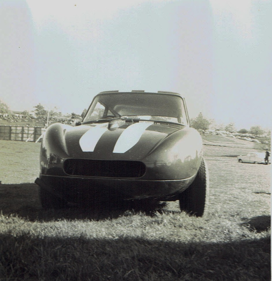 Name:  Pukekohe May 1966 #22  Austin A40 -Ford Mike Meek v2, CCI13102015_0004 (2).jpg Views: 2116 Size:  164.6 KB