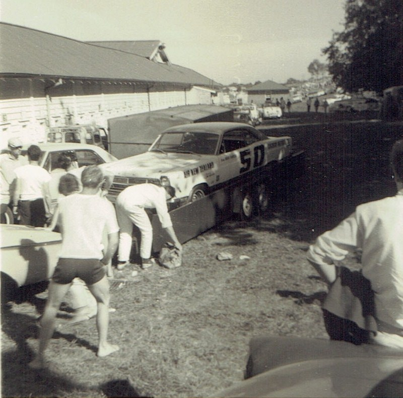 Name:  Pukekohe Jan 1968 #5 Ford Galaxie -unloading v2 CCI15102015_0002 (2) (800x790).jpg Views: 1872 Size:  163.5 KB