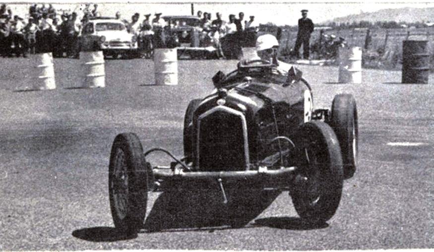Name:  Brian Tracey. Alfa Romeo...jpg Views: 1370 Size:  141.4 KB