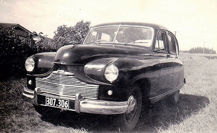 Name:  1951 Standard Vanguard. Phase 1 saloon. 2 litre.jpg