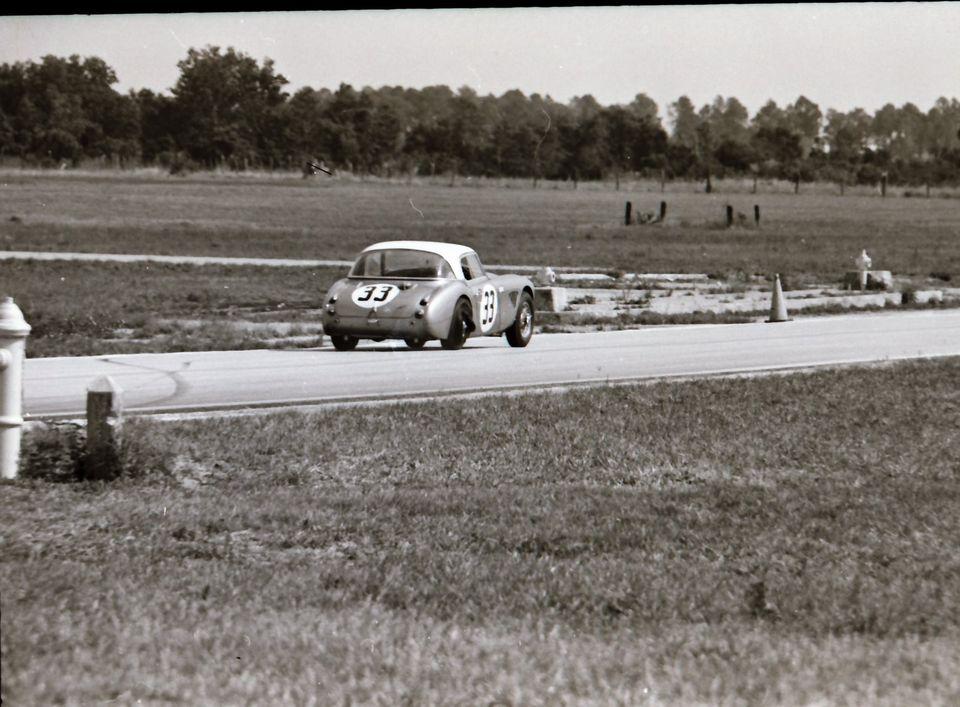 Name:  AH 3000 #361 Sebring 1964 Cars #33 and #34 . car #33 rear K Stelk archives .jpg Views: 118 Size:  104.5 KB