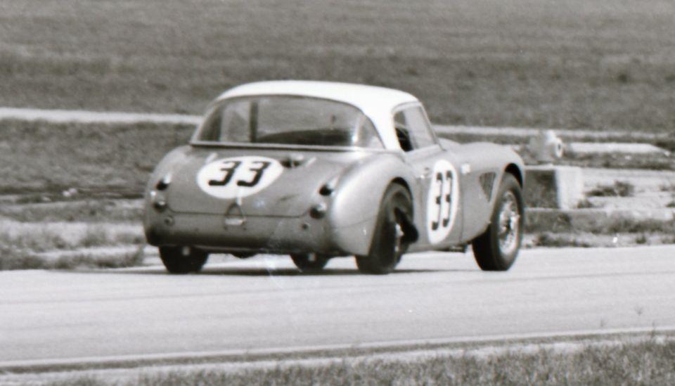 Name:  AH 3000 #366 Sebring 1964 Cars #33 and #34 . car #33 shedding tyre K Stelk archives .jpg Views: 119 Size:  53.7 KB