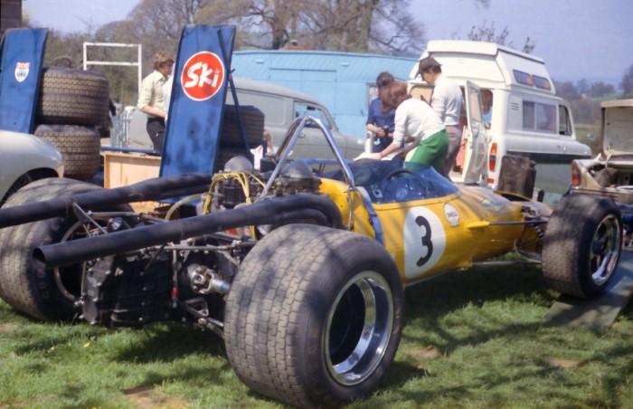 Name:  170_0503_016 McLaren.jpg Views: 68 Size:  96.5 KB
