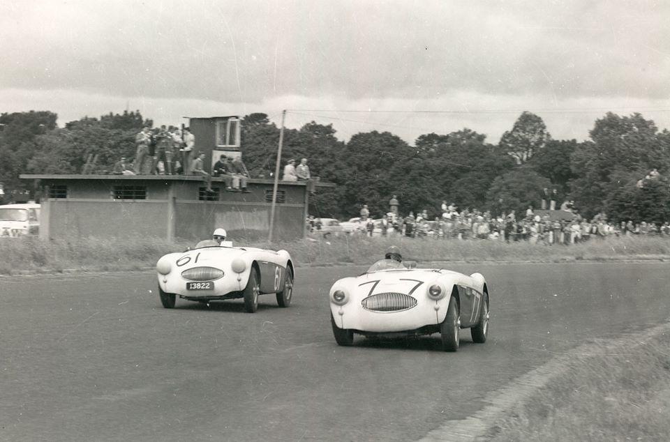 Name:  AH 100S #114 AHS3906 1958 Albert Park Melbourne GP #61 AHS 3906 Jim Goldfinch #77 AHS 3909 Terrr.jpg Views: 133 Size:  79.8 KB