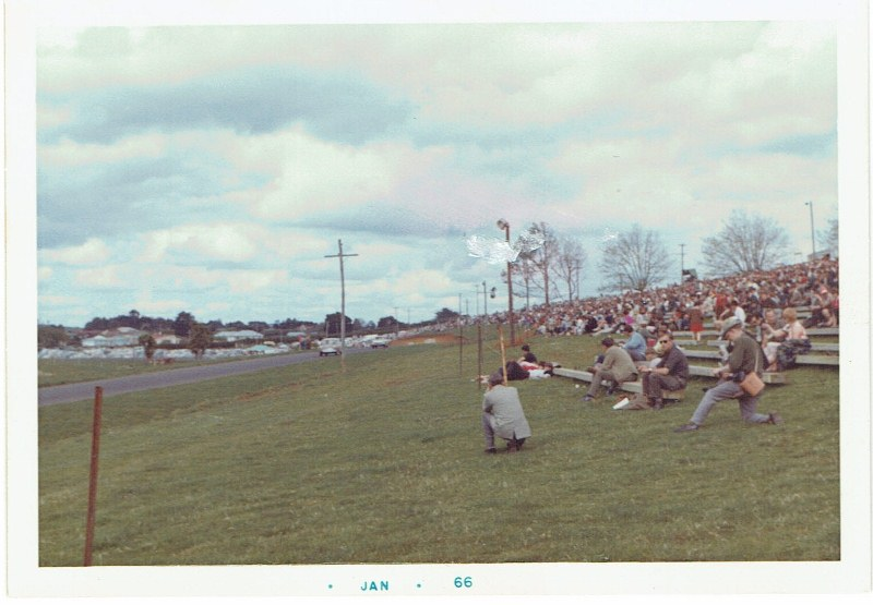 Name:  Pukekohe 1965 Wills 6 Hour #2, CCI12102015_0003 (800x555).jpg