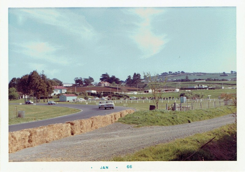 Name:  Pukekohe 1965 Wills 6 Hour, Zephyr 6 and Alfa Romeo #3, CCI12102015_0001 (800x562).jpg