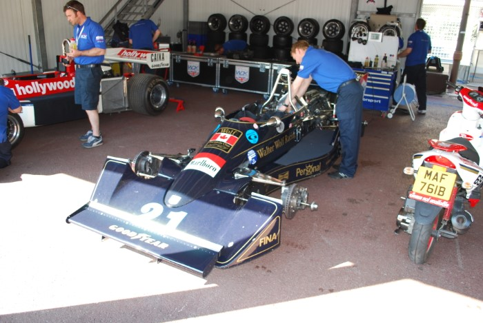 Name:  212_0511_010 Williams FW05.JPG