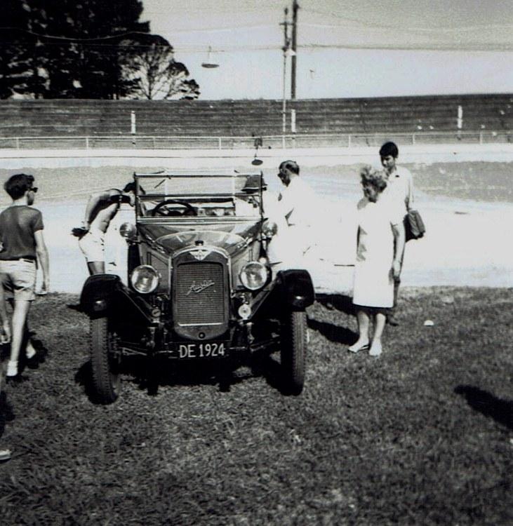 Name:  Vintage Rally 1968 Western Spings #17 1924 Austin 12 CCI23012016_0004 (731x750).jpg Views: 1569 Size:  167.5 KB