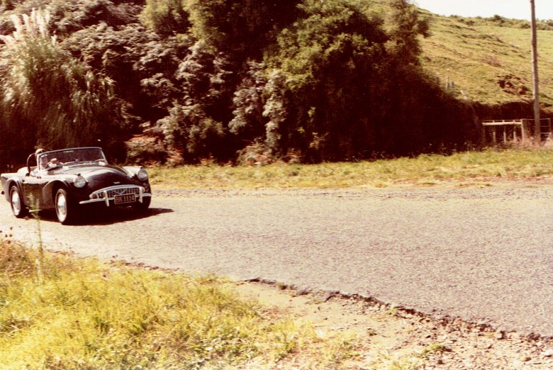 Name:  AHCCNZ Otaua Hill Climb 1985 #17 Daimler pic 2 CCI30112015_0001 (780x522).jpg