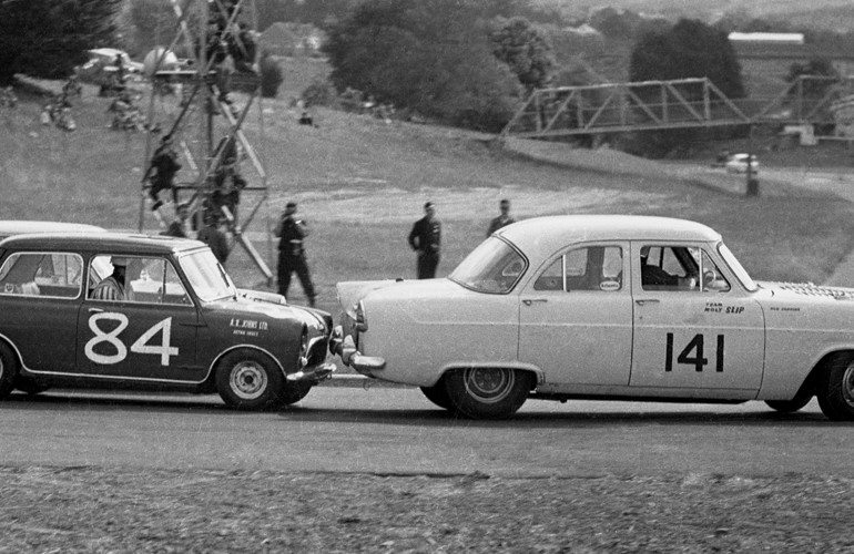 Name:  Pukekohe 1965 #21 Elbow Mini chasing Zephyr Corvette Terry Marshall .jpg .jpg
