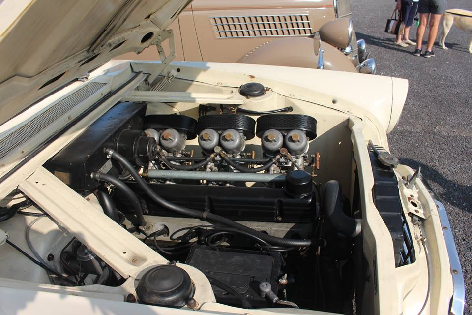 Name:  Cars #129 Farnham Zephyr with 6 SU's R Dowding photo .jpg Views: 152 Size:  93.4 KB