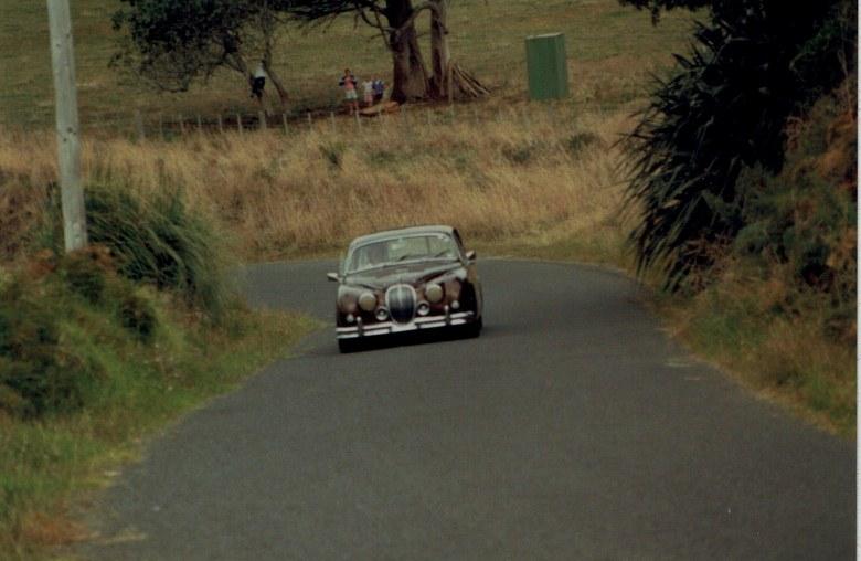 Name:  AHCCNZ Otaua Hill Climb 1985 - 88 #30 Mark 11 Jaguar #2 CCI04122015_0001 (780x508).jpg Views: 793 Size:  99.5 KB