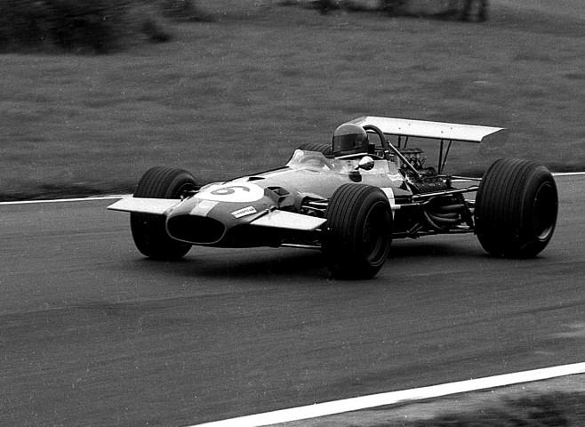 Name:  Jacky Ickx - Brabham Cosworth BT26A - 1969 Oulton Gold Cup (Small).JPG Views: 148 Size:  103.0 KB