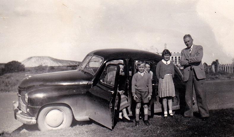 Name:  1951 Standard Vanguard. Phase 1 saloon... 2 litre.jpg Views: 156 Size:  145.2 KB