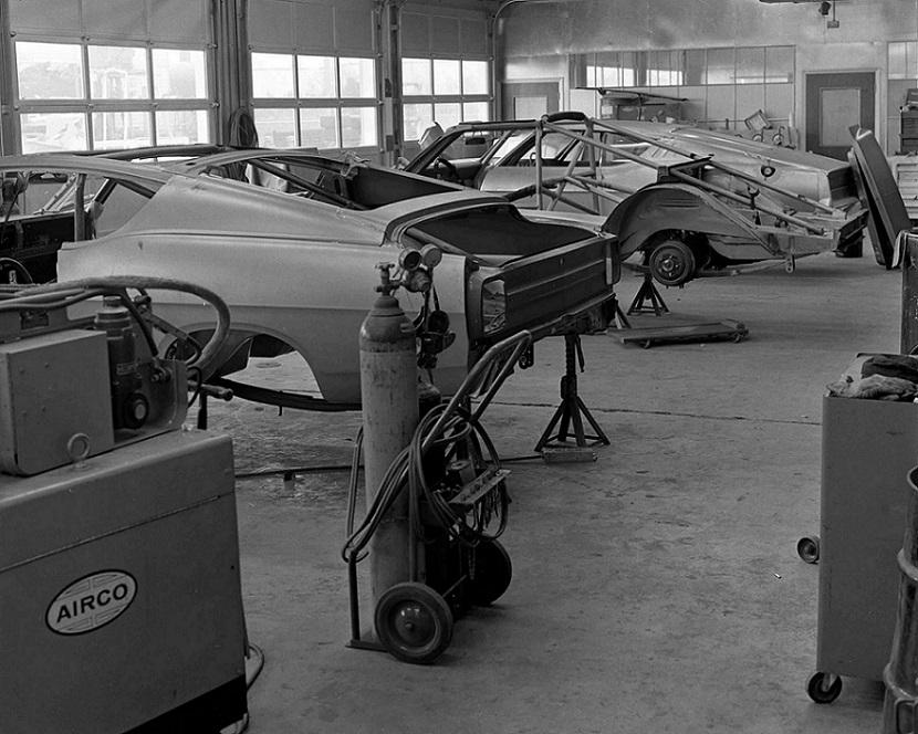 Name:  Holman & Moody workshop 1968.jpg Views: 166 Size:  183.3 KB