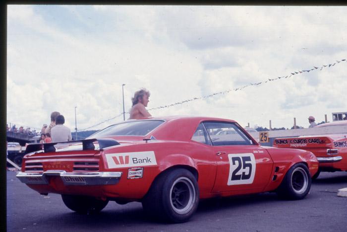 Name:  Robin Tanner #25 Firebird with Bunce Monaro Pukekohe by Gerard Richards.jpg Views: 231 Size:  74.2 KB