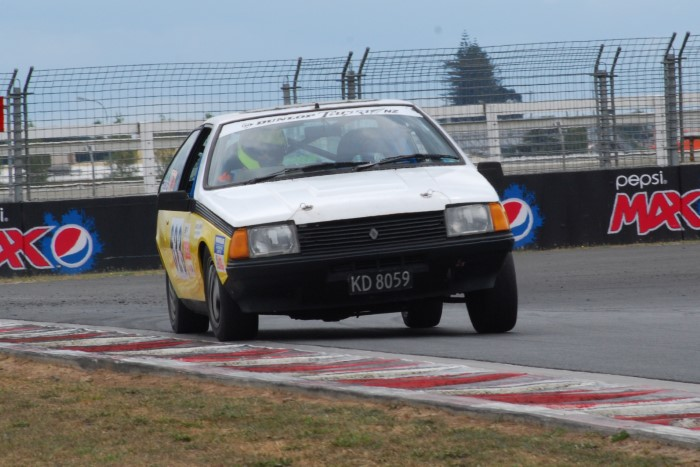 Name:  215_0221_038 Renault.JPG Views: 109 Size:  117.7 KB