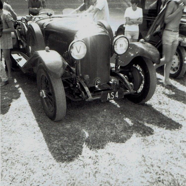 Name:  Vintage Rally 1968 Western Spings #13 Bentley CCI23012016 (750x750).jpg Views: 1685 Size:  167.2 KB