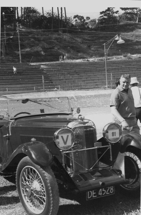 Name:  Vintage Rally 1968 Western Spings #24 Lagonda CCI23012016_0003 (493x750).jpg Views: 1577 Size:  120.6 KB