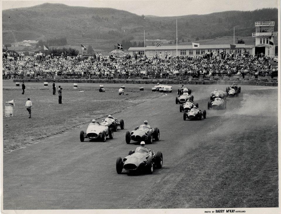 Name:  AH 100S #4 Graham Pierce NZIGP 1959 quliafying race Ardmore .jpg Views: 398 Size:  148.1 KB