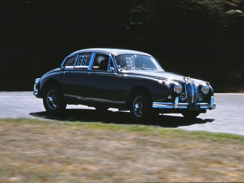 Name:  183_0306_611a Jaguar.JPG Views: 1416 Size:  90.3 KB