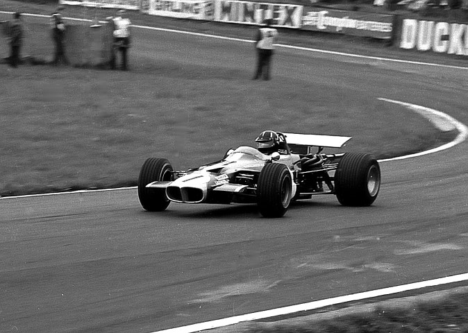 Name:  Graham Hill in the Winkelmann Racing Lotus 59B at the Oulton Park Gold Cup in 1969 (Small).JPG Views: 139 Size:  115.5 KB