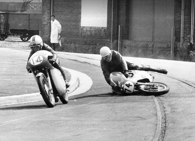 Name:  Dunedin Festival 1969 #313 Motorcycles on corner (800x577) Graeme Staples .jpg (2).jpg Views: 209 Size:  135.8 KB