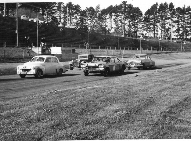 Name:  NSCC 1965 #58 Western Springs May 65 Lumsden De Soto Holden others sml Roger Herrick (640x480) (.jpg Views: 209 Size:  140.8 KB