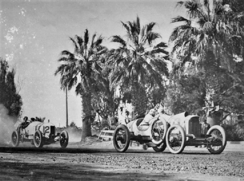 Name:  Two cars in motion.jpg Views: 147 Size:  184.9 KB