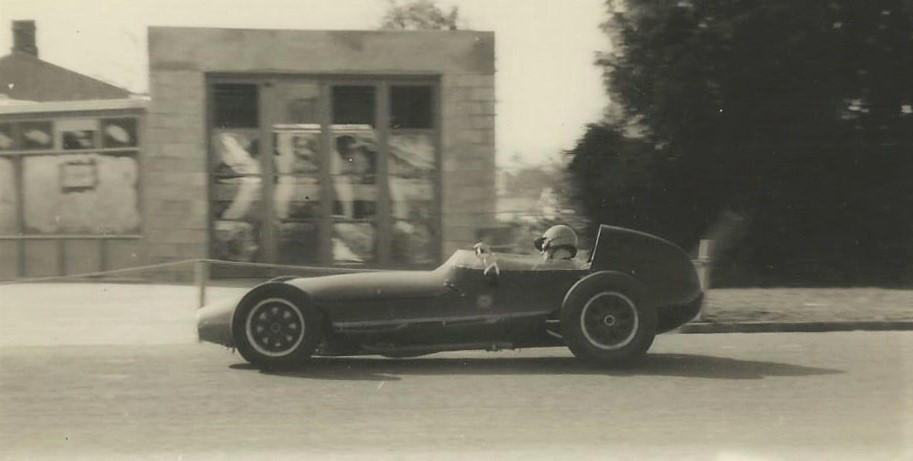 Name:  Matamata 1964 #44 Sat 23 May 1964 Festival front engine single seater K Guinness.jpg