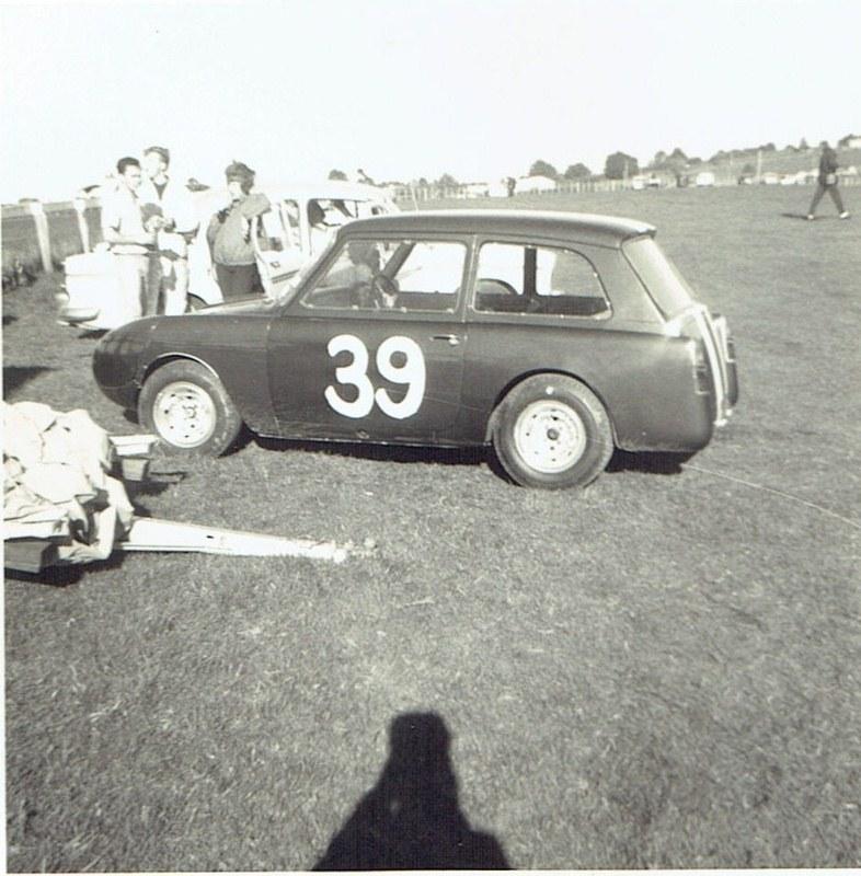 Name:  Pukekohe May 1966 #21 Austin A40 -Ford  Mike Meek v2, CCI13102015_0005 (2) (786x800).jpg Views: 1768 Size:  161.4 KB