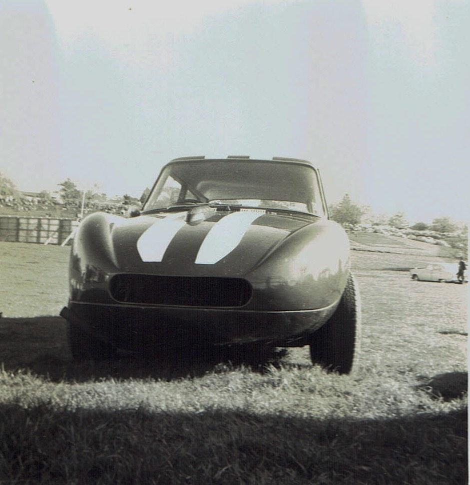 Name:  Pukekohe May 1966 #22  Austin A40 -Ford Mike Meek v2, CCI13102015_0004 (2).jpg Views: 1705 Size:  164.6 KB