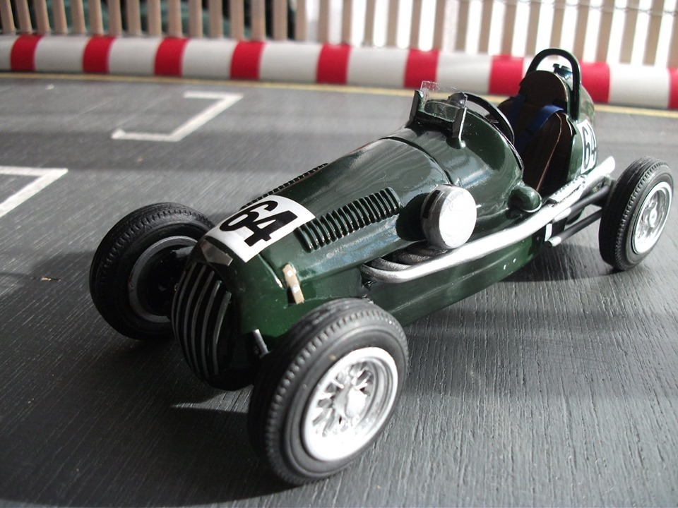 Name:  Jim Bennett Furi Cars #102 Furi 9 Tony Lucas model 12 numbers 64 front T Lucas .jpg