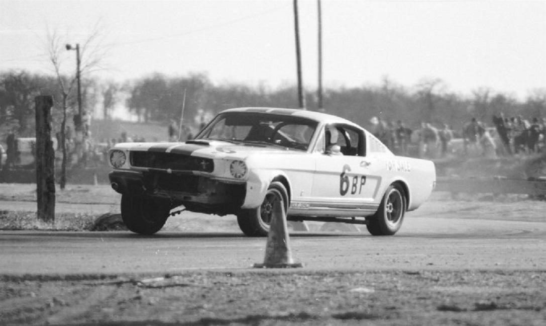 Name:  SHELBY 350 GT CLINT CAVIN  GVR FEB 1967.jpg Views: 81 Size:  143.7 KB