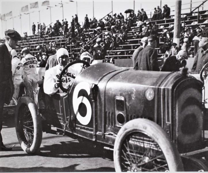 Name:  1915. Bob Burman in his Peugeot # 6 - Copy.jpg Views: 38 Size:  156.2 KB