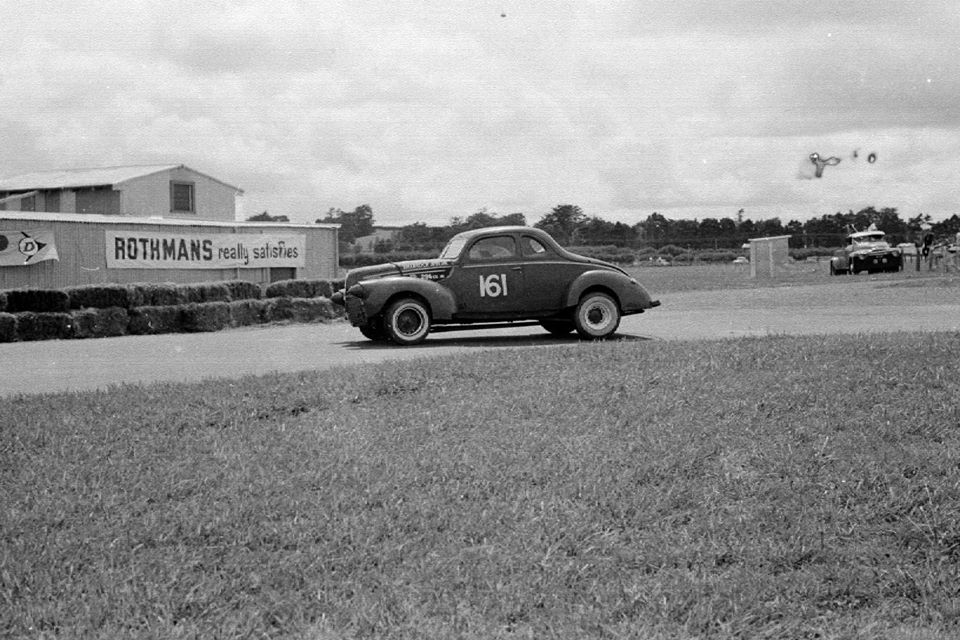 Name:  Pukekohe 1966 #22 Feb 66 Robin Tanner Ford V8 stables cnr Rex Rattenbury .jpg Views: 239 Size:  121.0 KB