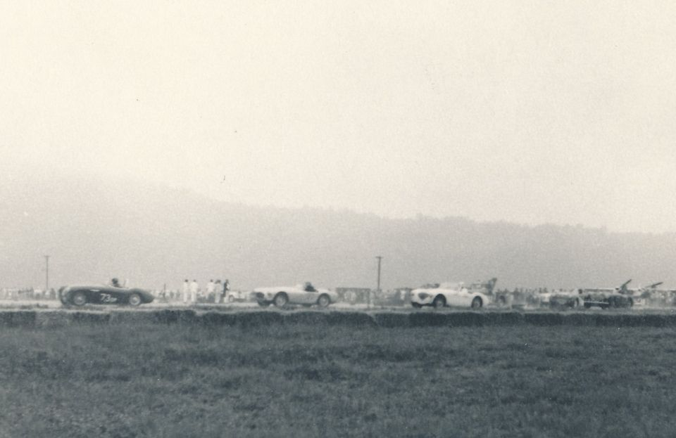 Name:  AH 100S #141 100S and 100 Racing 1960 Santa Barbara Q Karsten Stelk .jpg Views: 142 Size:  50.5 KB