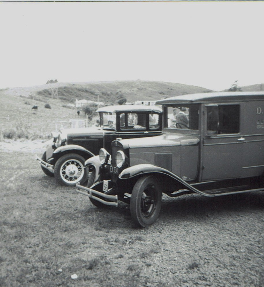 Name:  Hunua Hundred 1971 #28 Model A Tudor and Van CCI07102019_0002 (2).jpg Views: 269 Size:  171.9 KB