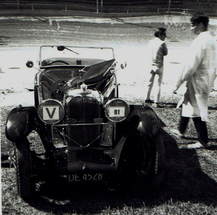 Name:  Vintage Rally 1968 Western Spings #16 Lagonda CCI23012016_0003 (750x746).jpg Views: 1121 Size:  157.7 KB