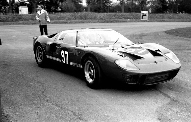 Name:  Bob Vincents GT40 (Small).JPG Views: 136 Size:  115.9 KB