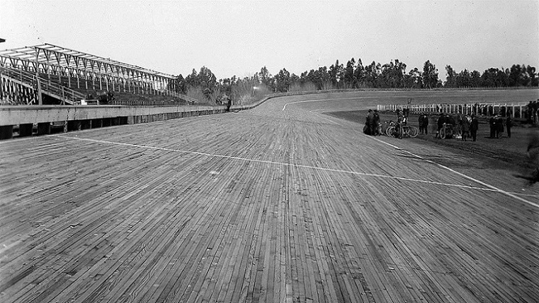 Name:  Beverly_Hills_Speedway_1921.jpg