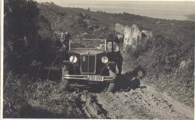 Name:  NSCC Mud climb 1946 # 2. 19-05-2015 12;04;04PM.jpg Views: 3050 Size:  104.2 KB