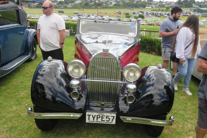 Name:  221_0214_072 Bugatti.JPG Views: 124 Size:  125.9 KB