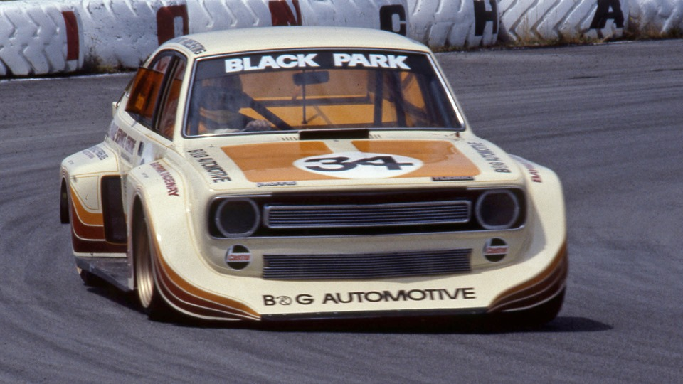 Name:  Cars #391 Grame Parks Marina V8 Baypark 1982 Nigel Watts .jpg Views: 182 Size:  129.8 KB