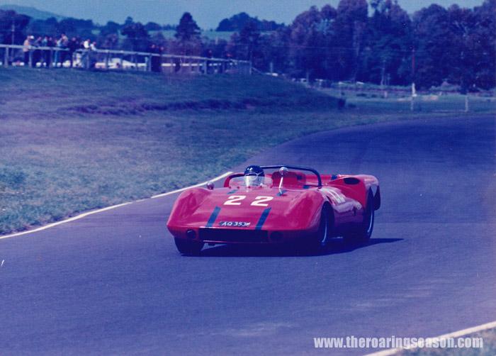 Name:  Geoff Mardon, Stanton Corvette, Pukekohe 1967-68.jpg Views: 1442 Size:  113.6 KB