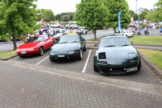 Name:  C & C #22 MX5 group front Nov 2017 832 (640x427).jpg