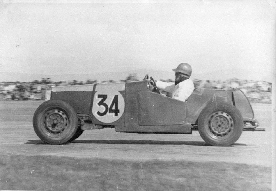 Name:  NSCC 1953 #232 Ohakea Trophy Race 14 March 1953. D.N.F Don on  24th lap (of 25) holding 2nd plac.jpg