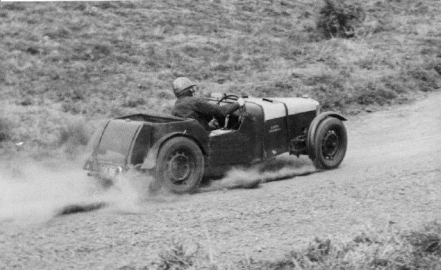 Name:  NSCC 1953 #233 Singford Special 1st place Don Tilsley NZ Hillclimb Championship Class F Muriwai .jpg